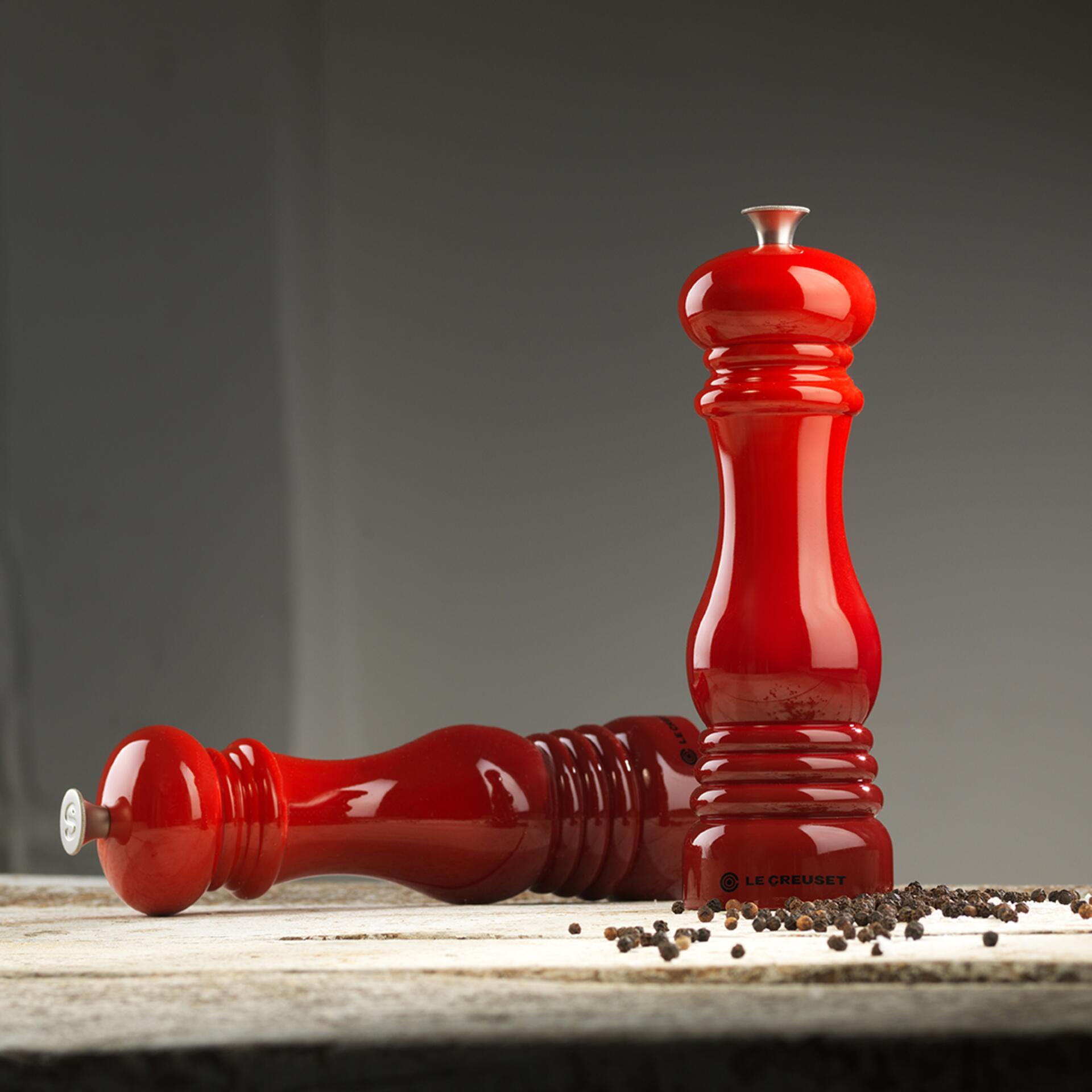 Le Creuset Salzmühle Schwarz matt 21 cm