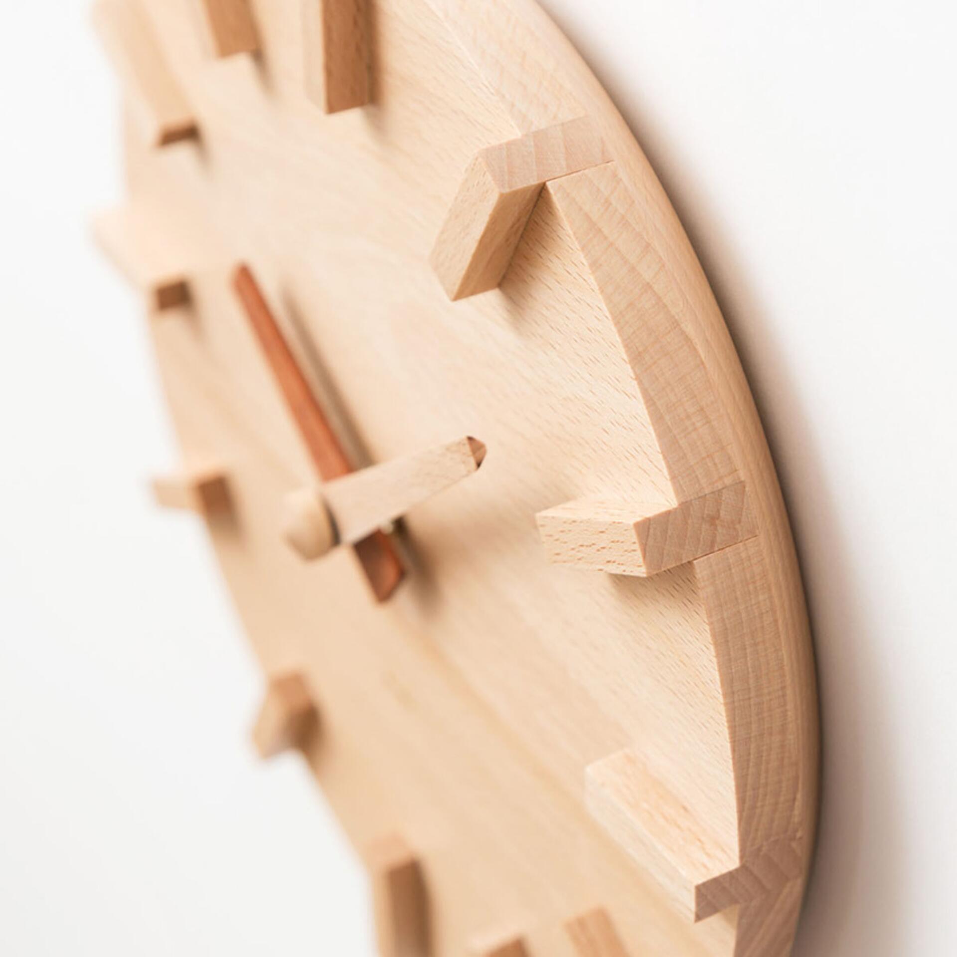 Kime Wanduhr aus Buchenholz